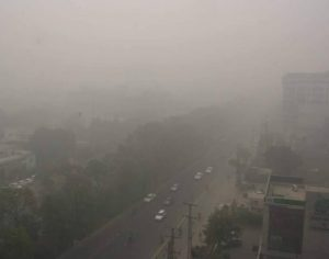 Persistent continual of the dense fog blanketing Punjab has revealed high readings of pollution in the air (Source : SamaaTV)