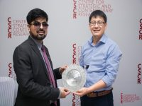 Mr. Anas Abdullah (President CSCR) with Dr. Ma Haiyun (left to right)
