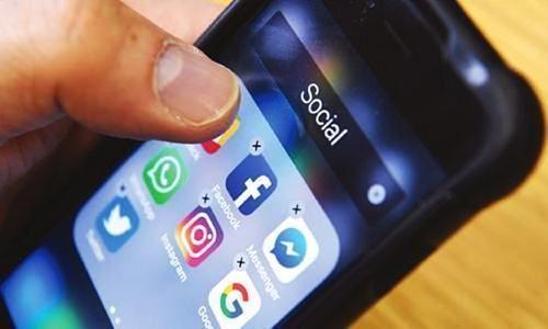 Social Media, India, Pakistan